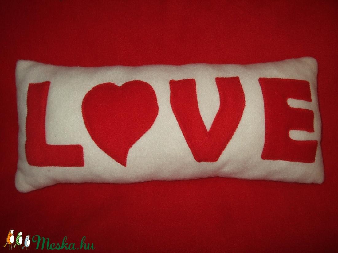Love párna (Kedvesajandek) - Meska.hu 2961fd3d87