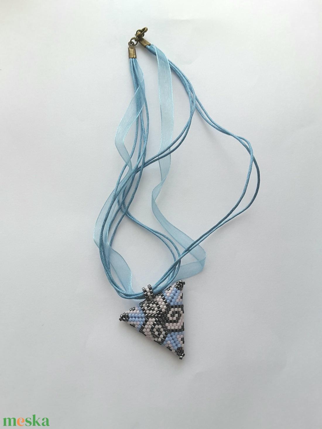 Háromszög nyaklánc - Meska.hu