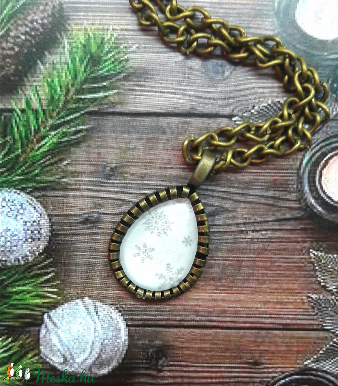 Egy csepp hópihe-üveglencsés nyaklánc (Kenza) - Meska.hu