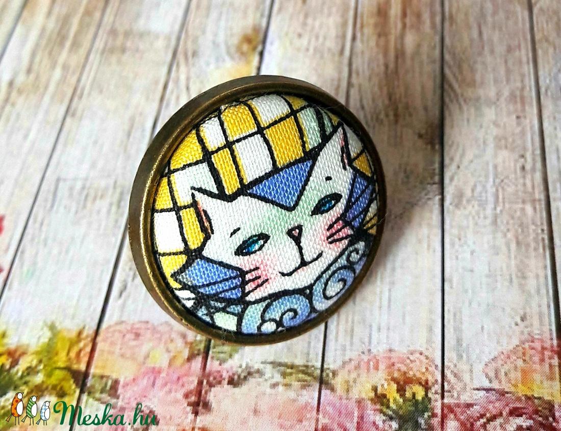 Absztrakt macska - textilgomb gyűrű (Kenza) - Meska.hu