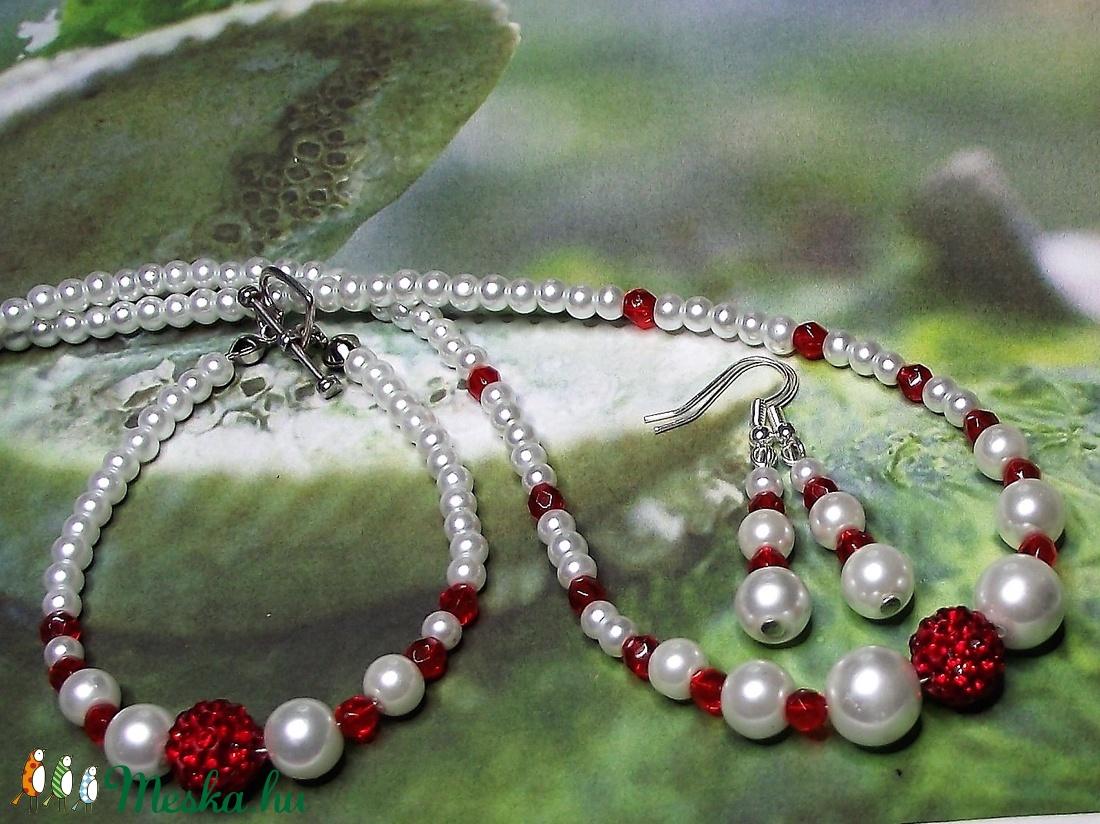 TeklArt szett - Piros ragyogás - Gyöngysor, karkötő, fülbevaló - Alkalomra, esküvőre, menyecskeruhához (keramika) - Meska.hu