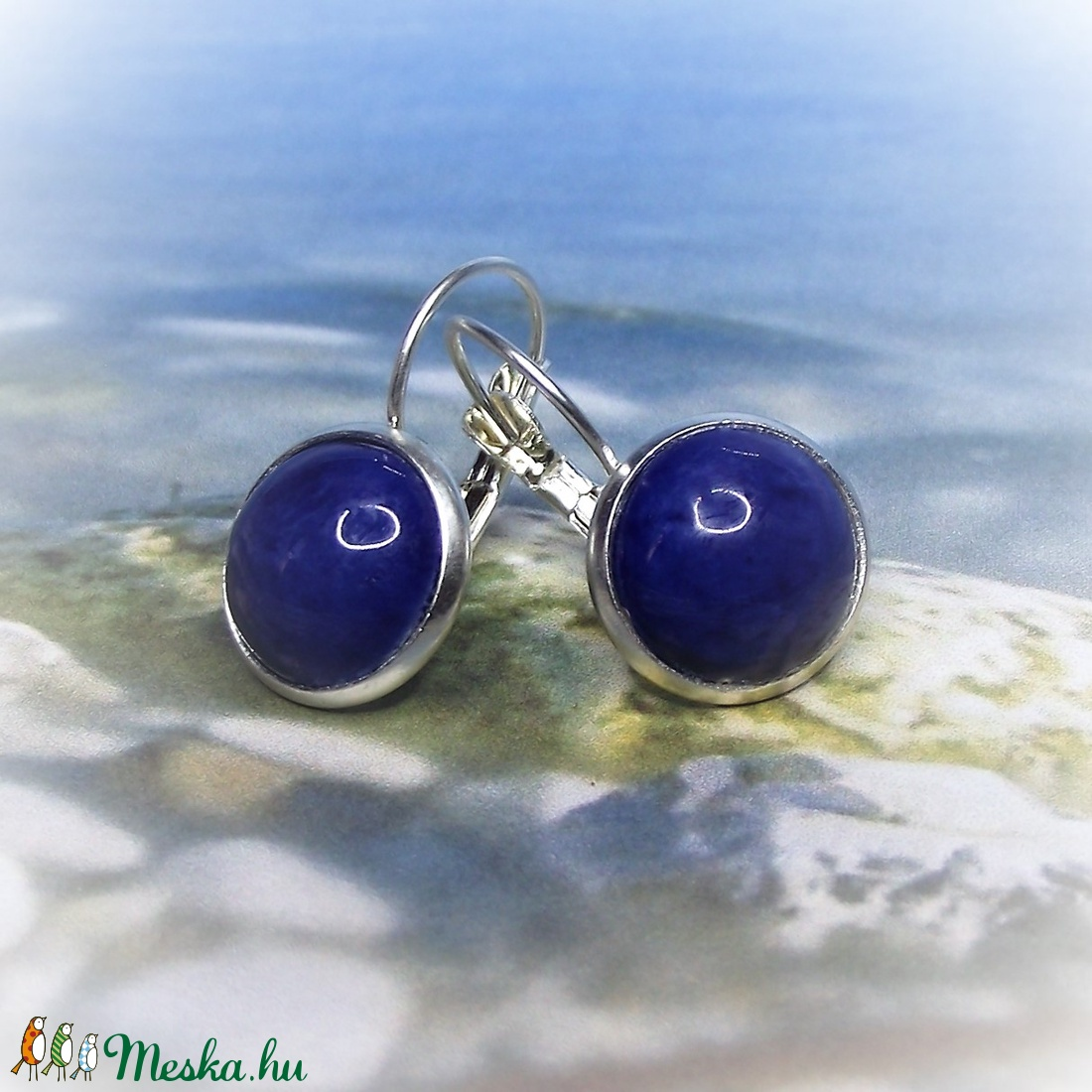 Kék franciakapcsos, tányéros fülbevaló kerámiából - ékszer - fülbevaló - lógós kerek fülbevaló - Meska.hu