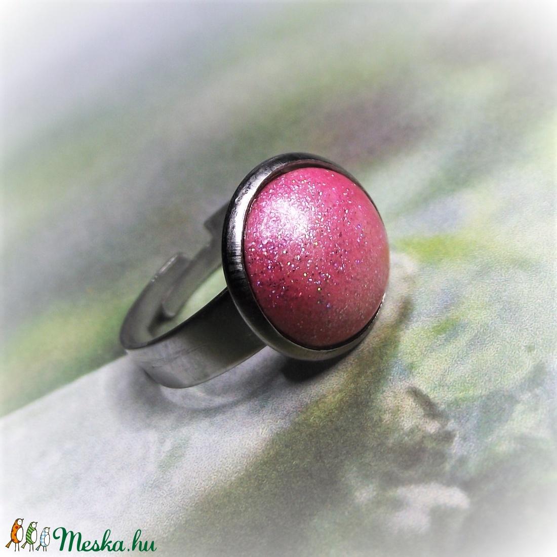 UNIKORNIS rózsaszín kerámia gyűrű nemesacél alappal - ékszer - gyűrű - kerek gyűrű - Meska.hu