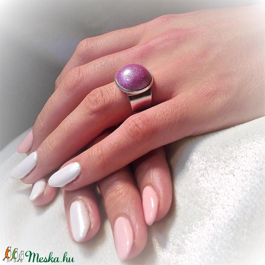 UNIKORNIS lila kerámia gyűrű - Ajándék lányoknak nőknek névnapra születésnapra - ékszer - gyűrű - kerek gyűrű - Meska.hu