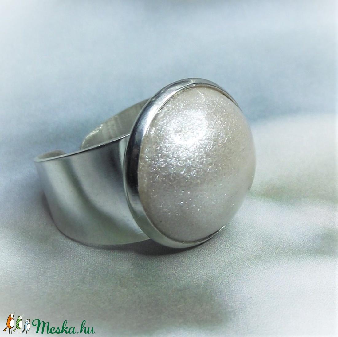 UNIKORNIS krémszínű kerámia gyűrű - Ajándék lányoknak nőknek névnapra születésnapra (keramika) - Meska.hu