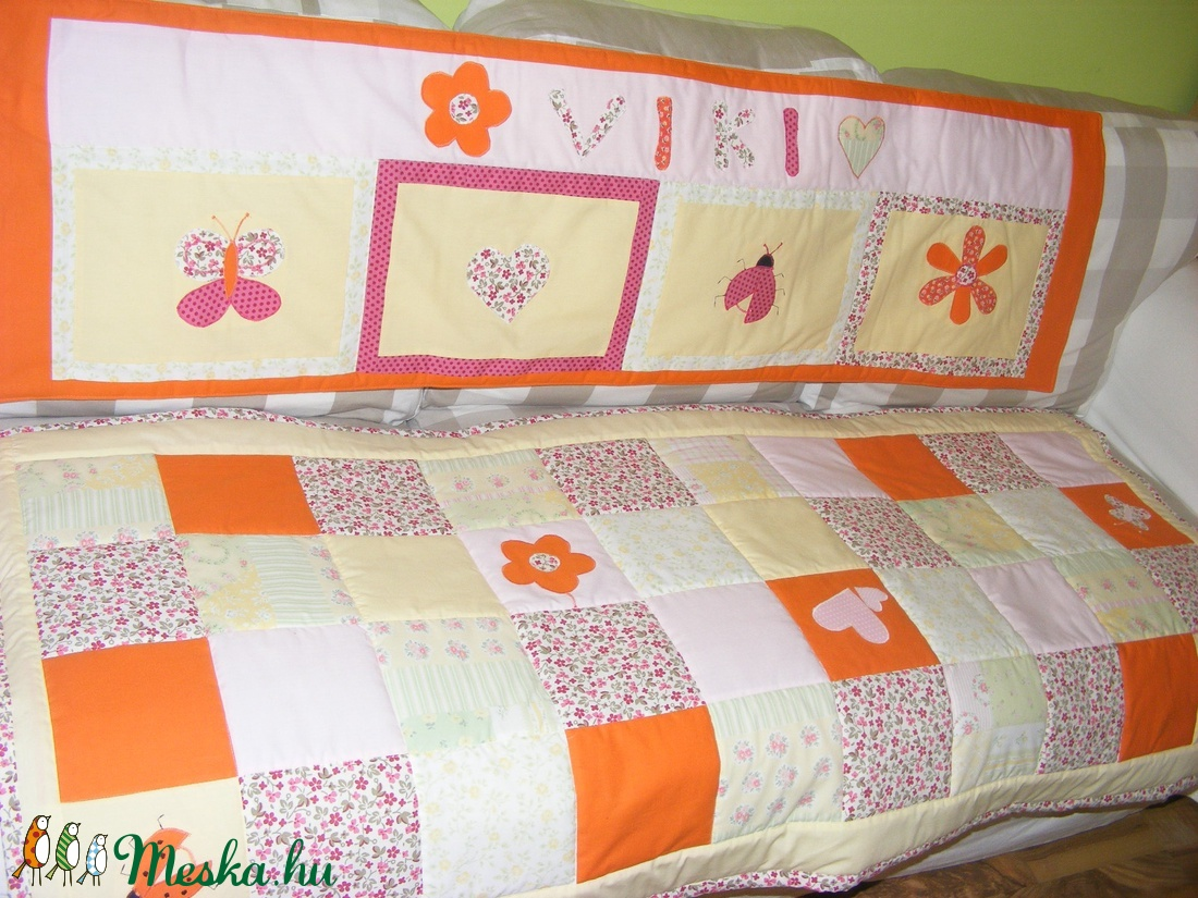 Patchwork takaró, falvédő virágokkal, pillangókkal névre szóló - otthon & lakás - lakástextil - falvédő - Meska.hu