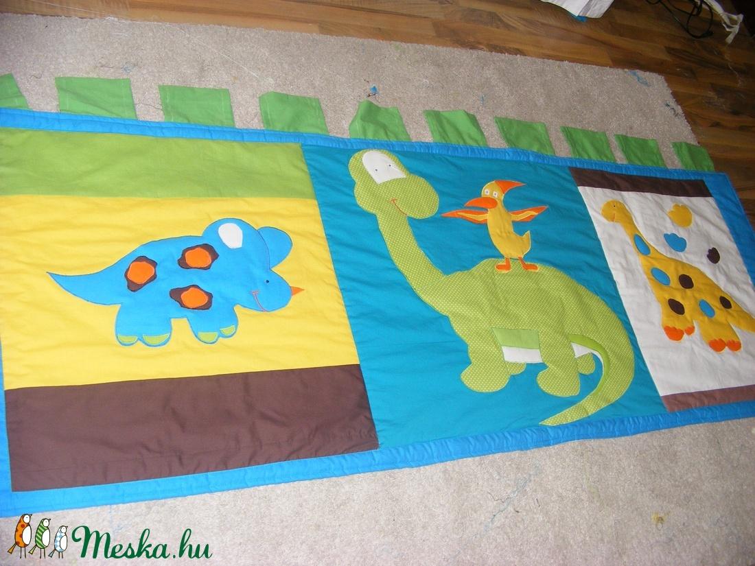 Dinós patchwork falvédő, takaró - otthon & lakás - lakástextil - falvédő - Meska.hu