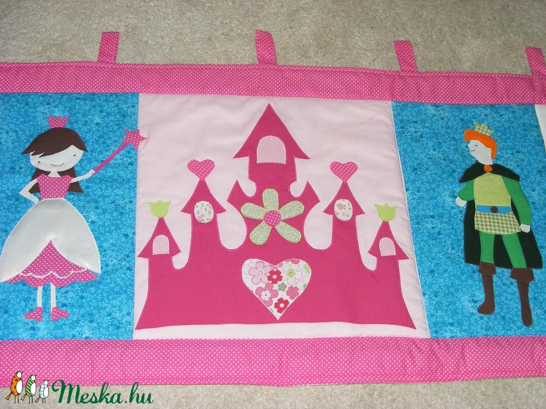patchwork falvédő hercegnővel, herceggel - otthon & lakás - lakástextil - falvédő - Meska.hu