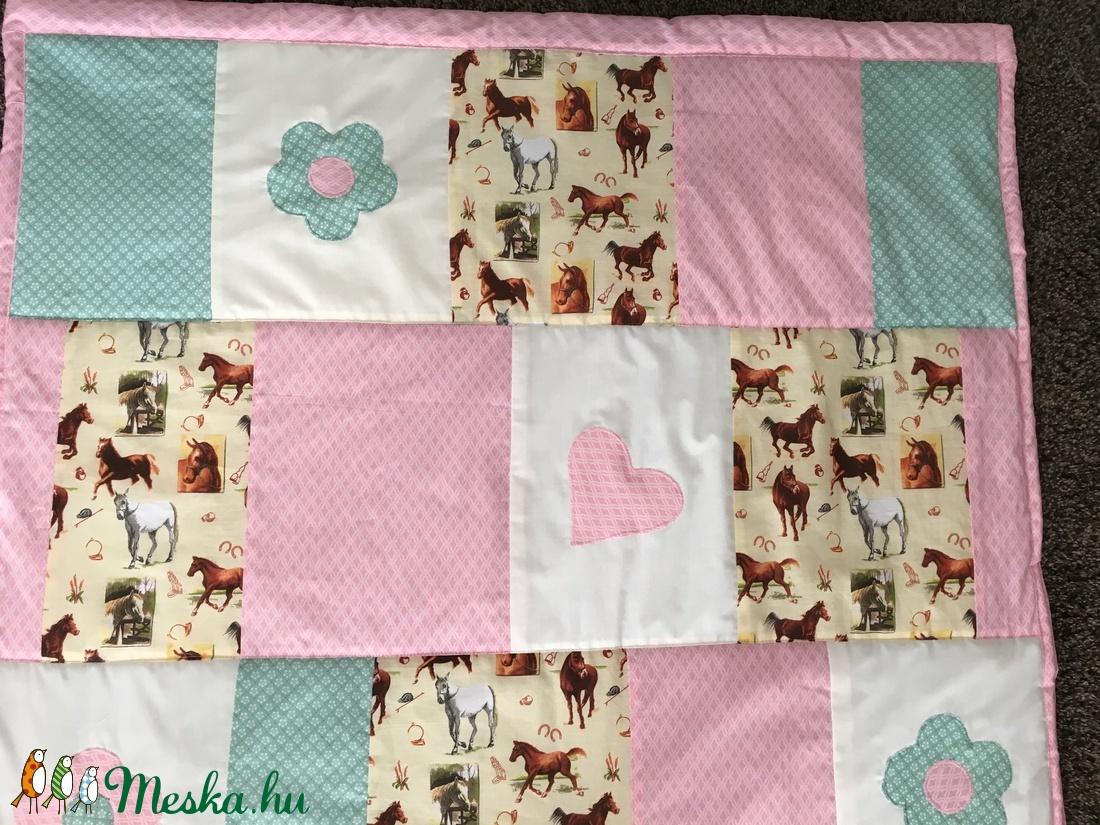 Patchwork falvédő, takaró ló, lovacska mintával - otthon & lakás - lakástextil - falvédő - Meska.hu