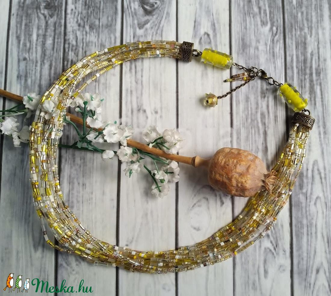 Méz, aranysárga-fehér, többsoros nyaklánc csodás lámpagyöngyökkel - ékszer - nyaklánc - medál nélküli nyaklánc - Meska.hu