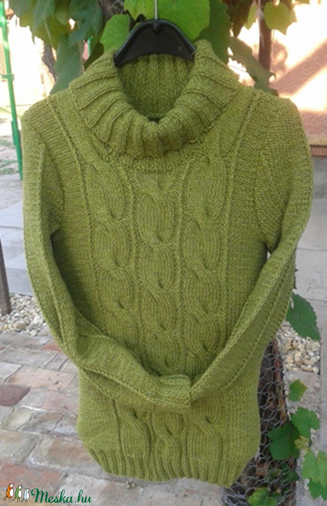 Kézzel kötött zöld pulóver (KreaCsilla) - Meska.hu 130e68c4f2