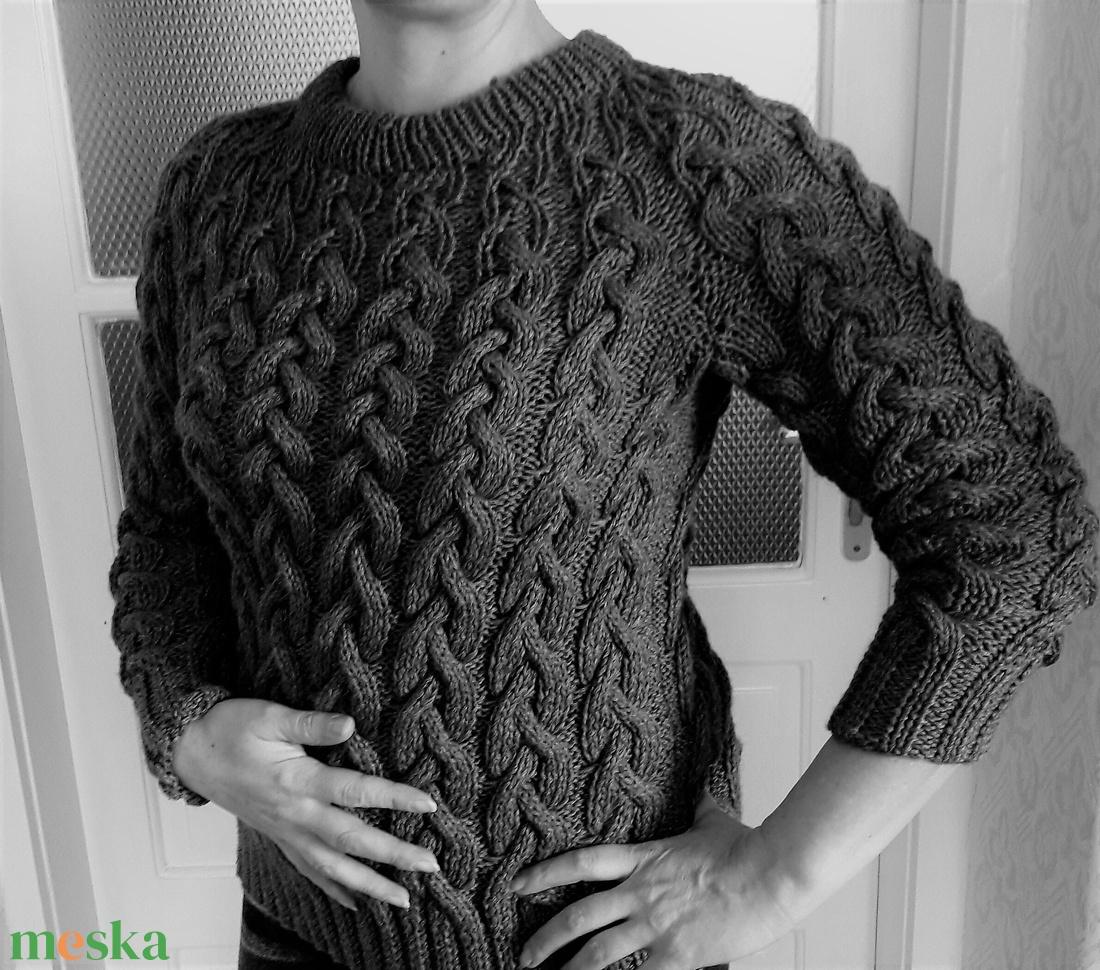 ... Kézzel kötött unisex gyapjú pulóver (KreaCsilla) - Meska.hu ... 4a55b95a2b