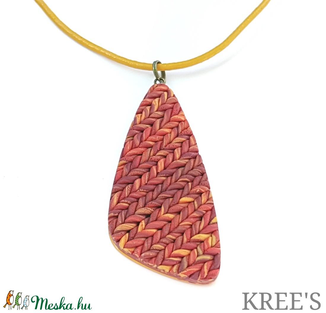 Kötött mintás ékszergyurma nyaklánc (KREES) - Meska.hu