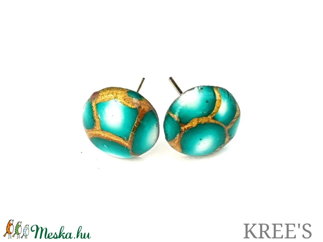Smaragd, arany mintás bedugós fülbevaló  (KREES) - Meska.hu