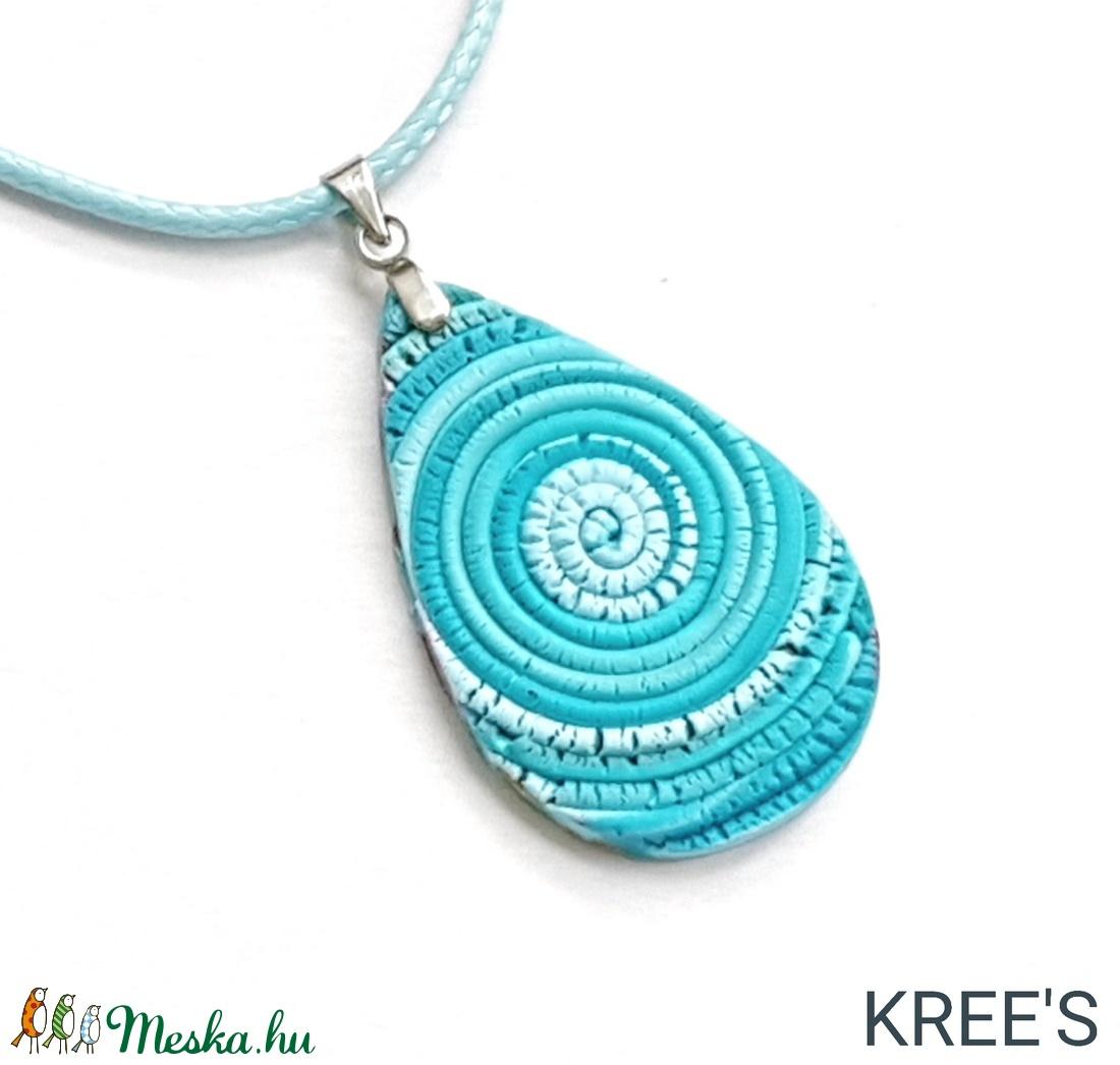 Kék spirál, csepp alakú ékszergyurma nyaklánc  - ékszer - nyaklánc - medálos nyaklánc - Meska.hu