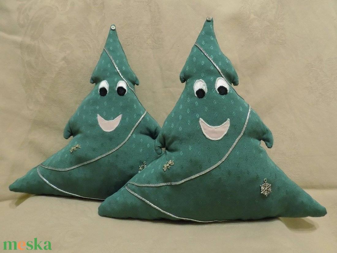 Fenyőfácska párnák - Mikulásra vagy Karácsonyra zacskó helyett, édességnek, apró ajándéknak - karácsony - karácsonyi lakásdekoráció - karácsonyi lakásdíszek - Meska.hu