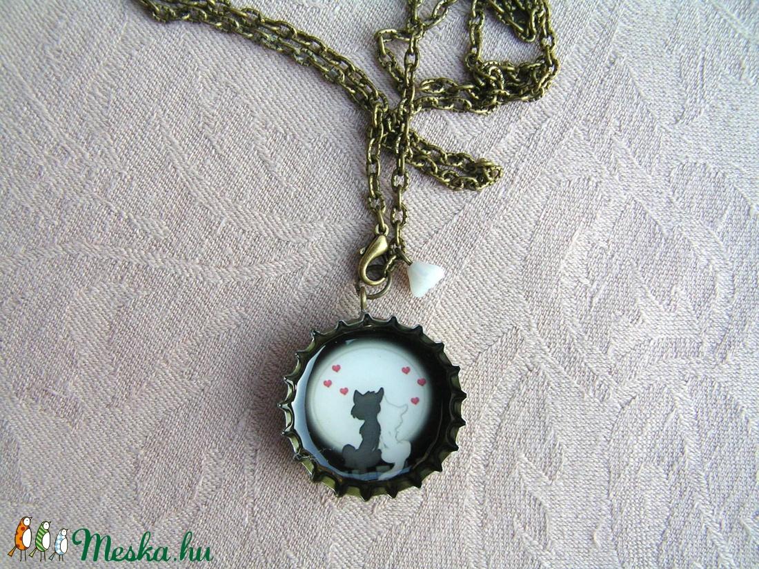 Szerelem a holdfényben - söröskupak nyaklánc - Meska.hu