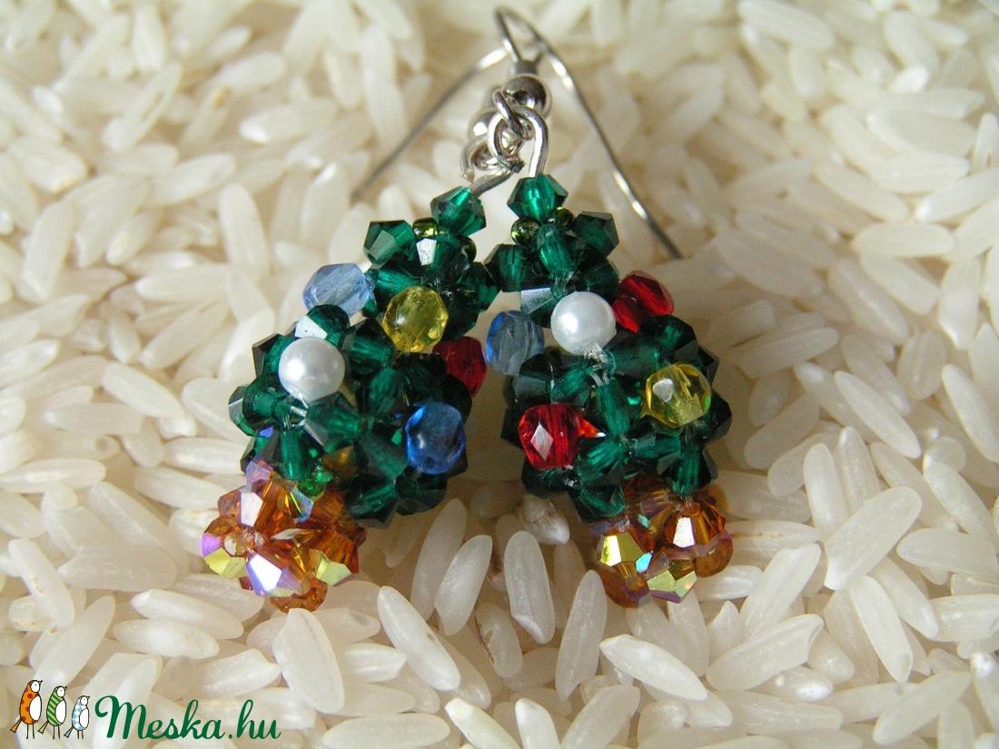 Szuper mini karácsonyfa gyöngy fülbevalók - ékszer - fülbevaló - lógó fülbevaló - Meska.hu