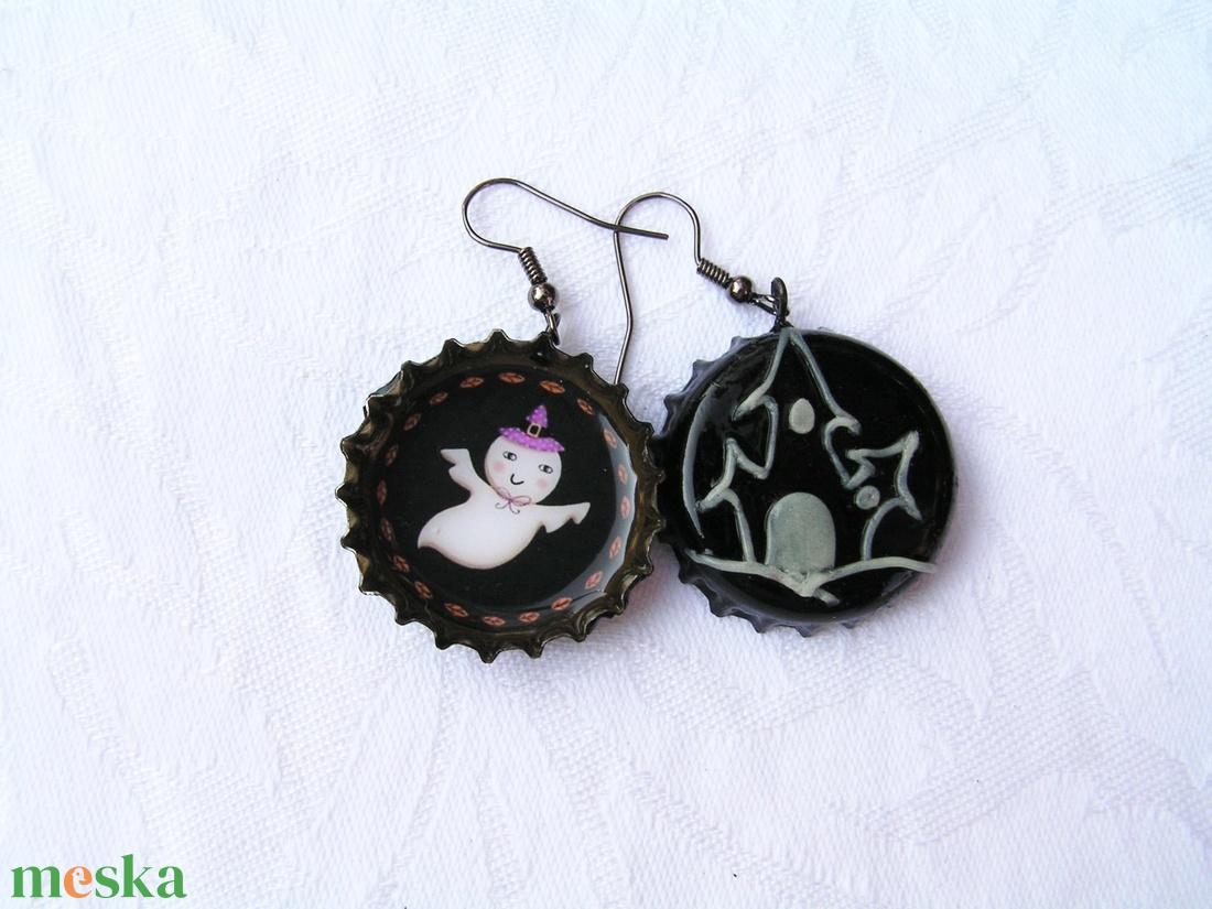 Szellemkastély söröskupak fülbevaló Halloweenre - ékszer - fülbevaló - lógó fülbevaló - Meska.hu