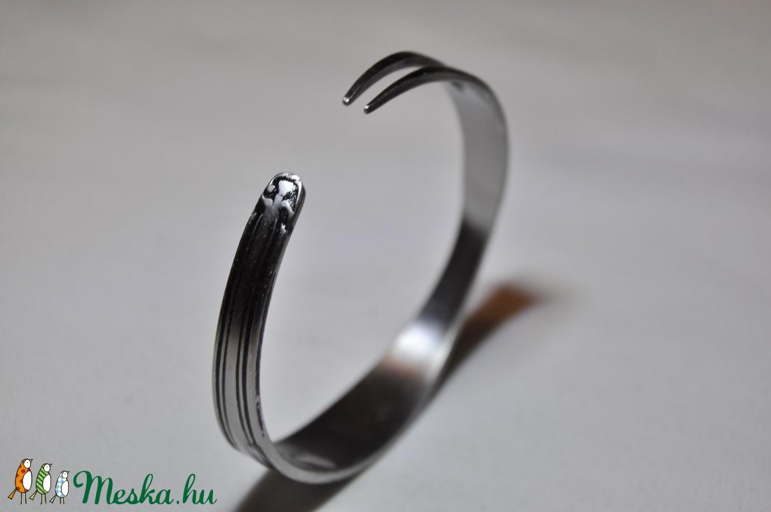 'Slender Beauty' - gyönyörű letisztult fém karkötő (KK029) - ékszer - karkötő - karperec - Meska.hu