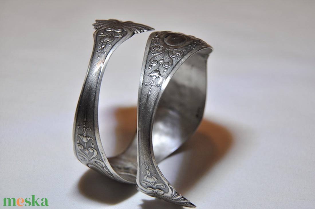 Antik egyedi mintás fém karperec (KK035) - ékszer - karkötő - karperec - Meska.hu
