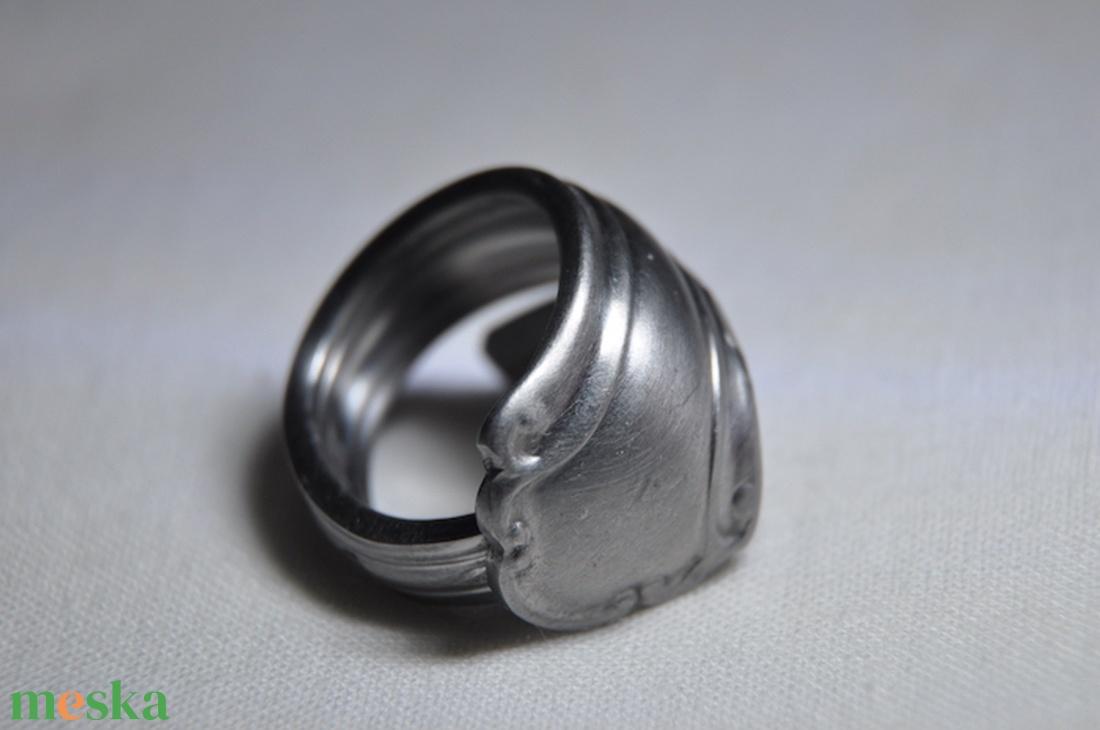 Gyűrű (ékszer) – Wikipédia