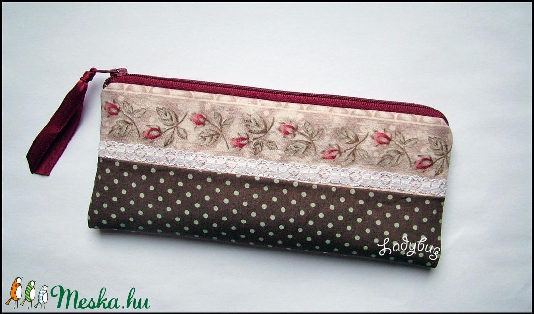 Rózsás pöttyös tolltartó (ladybug67) - Meska.hu