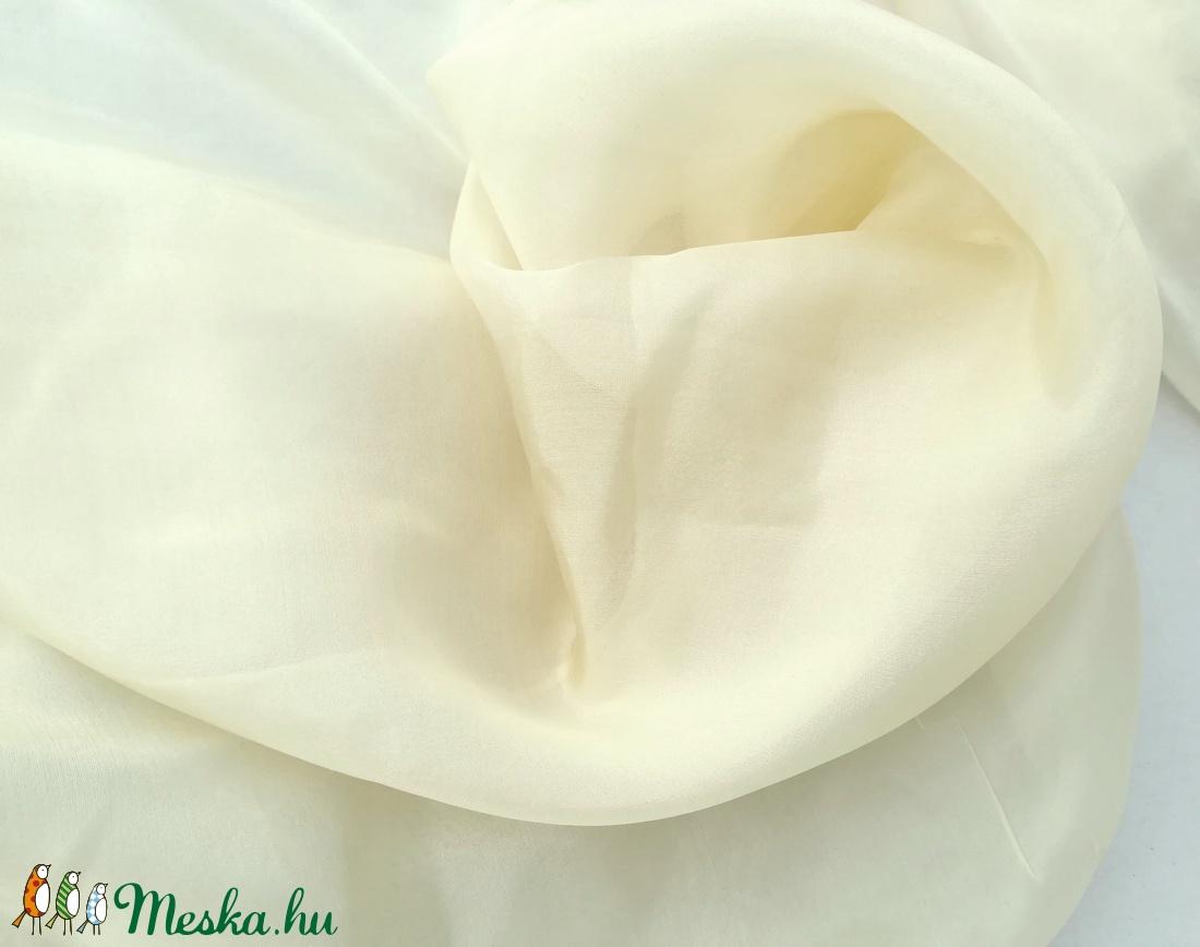 vajszínű selyemkendő 90x90cm (Laude) - Meska.hu