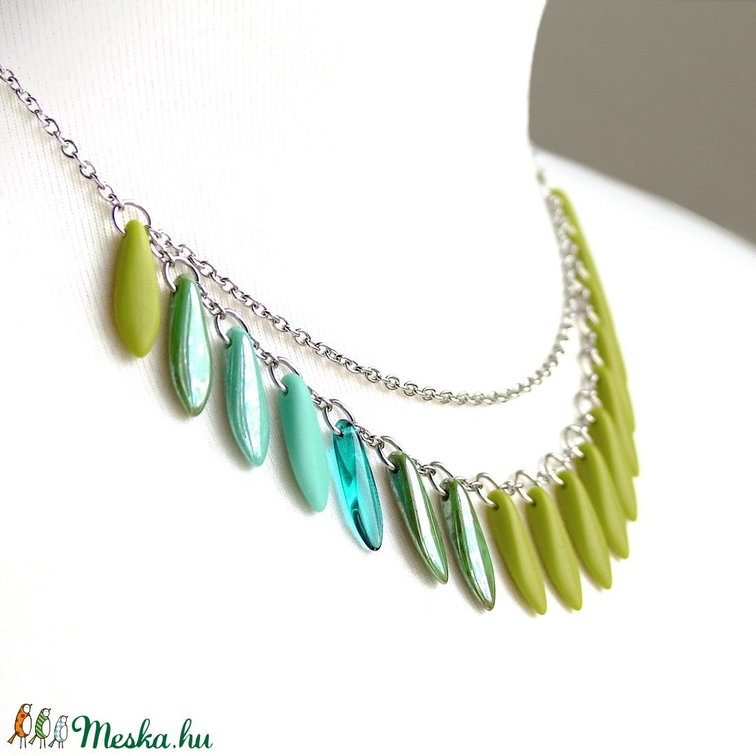 Színes üvegékszer / Gyöngyös nyaklánc - zöld, kék, türkiz / Kétsoros nyaklánc / Nemesacél nyaklánc / Gyöngynyaklánc - ékszer - nyaklánc - gyöngyös nyaklác - Meska.hu