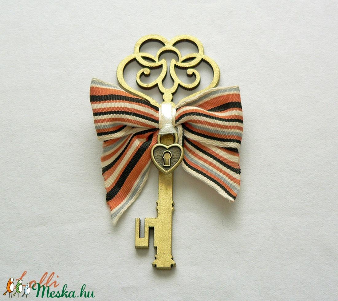 Key to my heart vőlegény kitűző - Rendelhető! (Lolli) - Meska.hu
