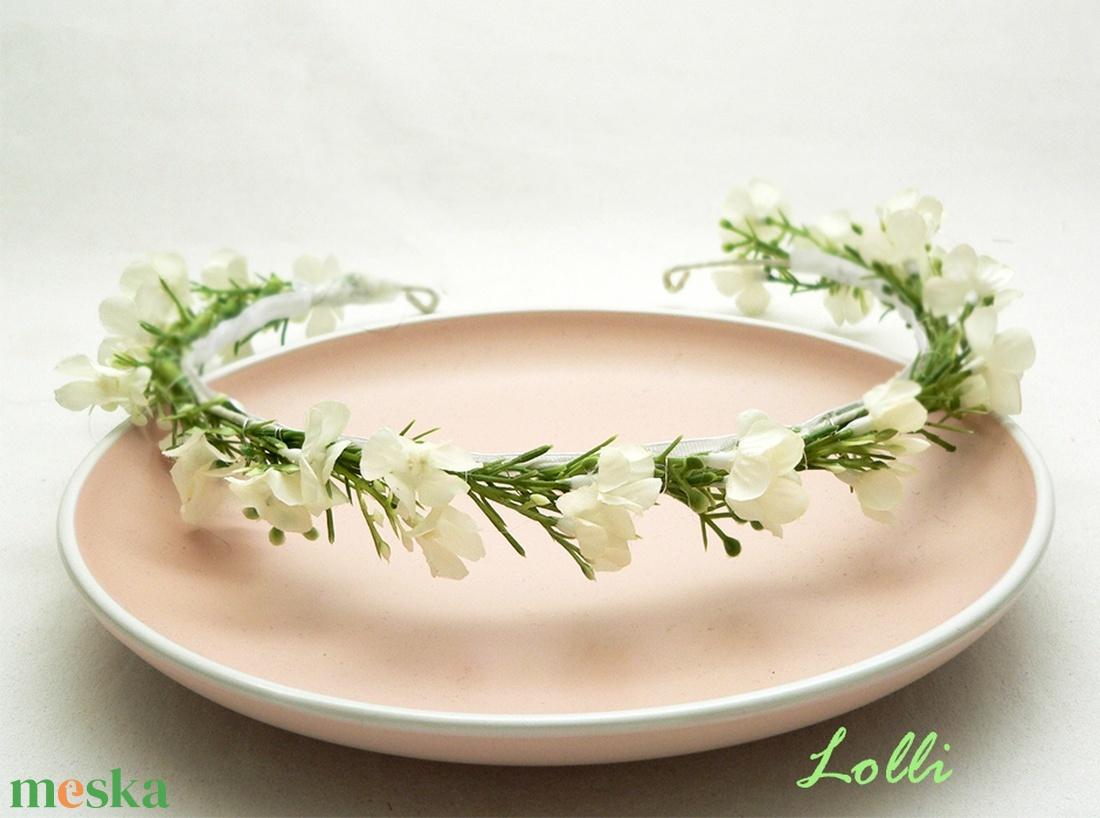 Fehér kisvirágos fejkoszorú esküvőre fotózáshoz (Lolli) - Meska.hu