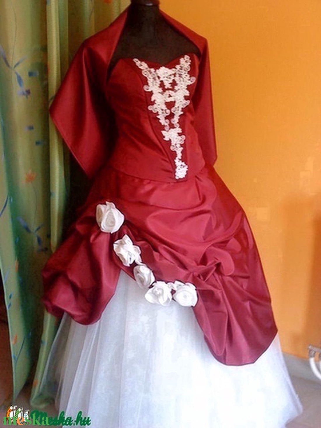 Menyecske, alkalmi ruha, piros-fehér, taft, két részes. - Meska.hu