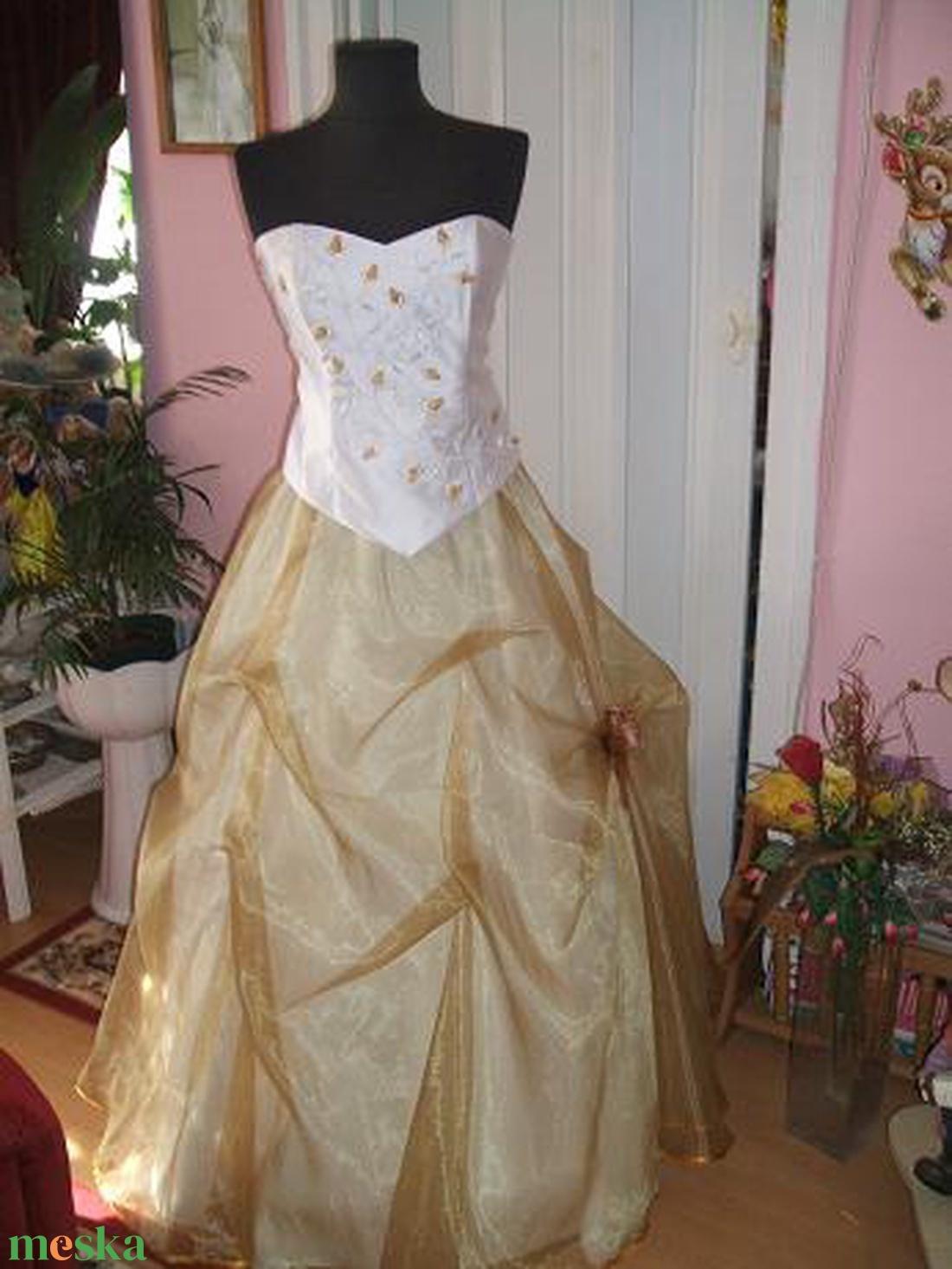 Menyasszonyi, alkalmi, báli ruha, hímzett. - Meska.hu