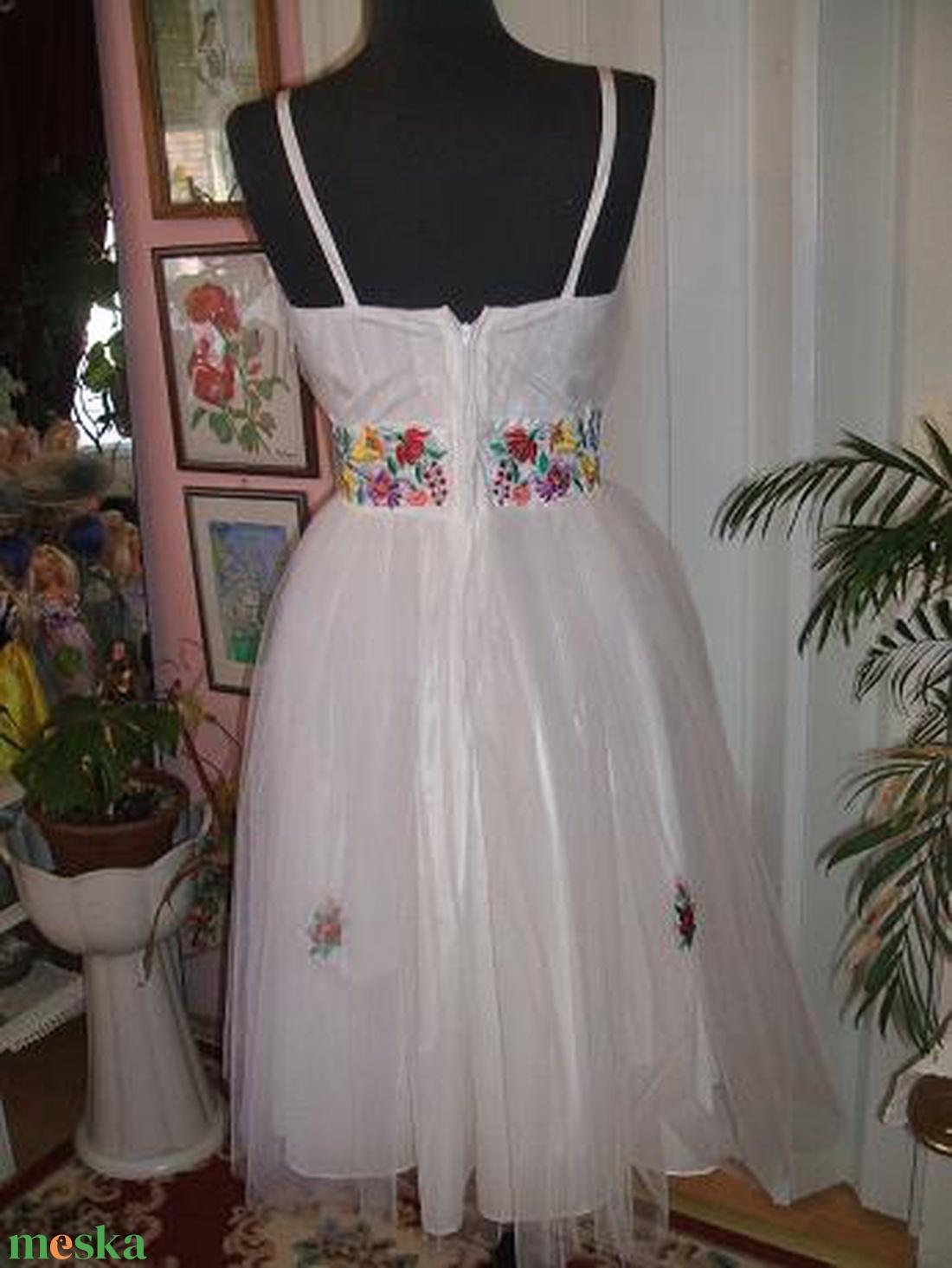 Menyasszonyi, alkalmi ruha, egyedi, kalocsai himzett - esküvő - ruha - menyasszonyi ruha - Meska.hu
