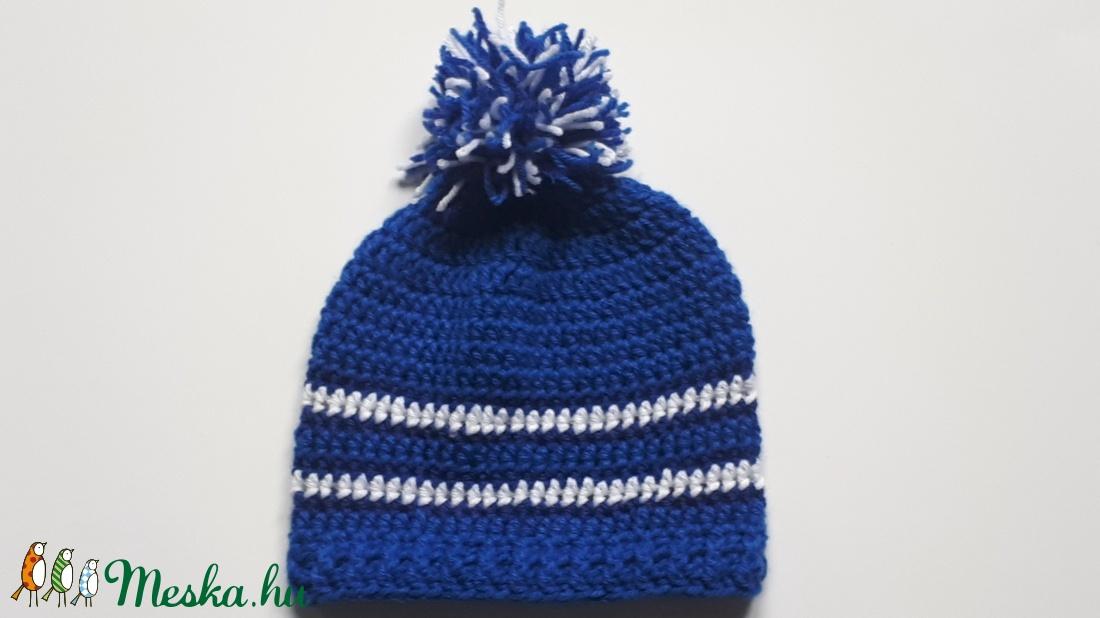 Horgolt bojtos sapka kék-fehér színben kisfiúnak (Makriky) - Meska.hu