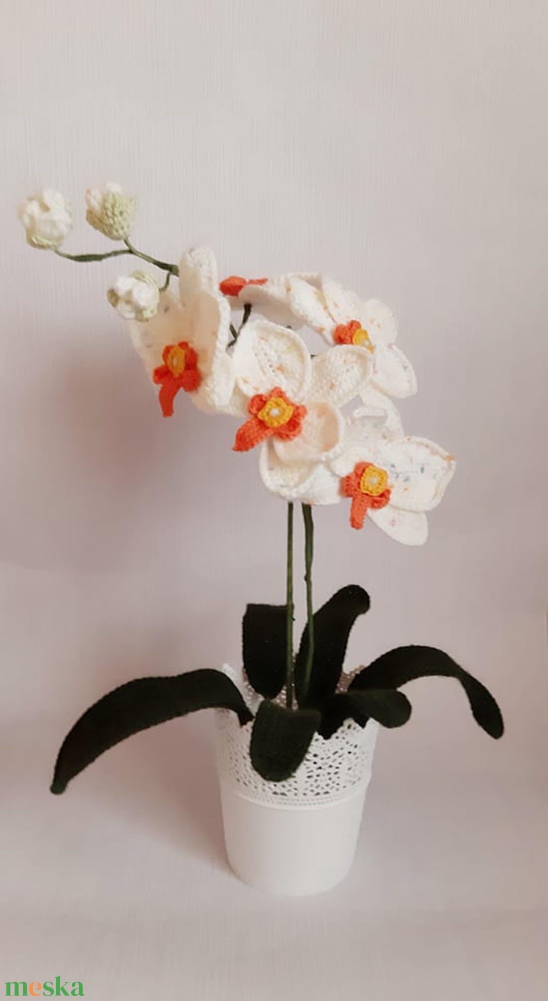 Horgolt fehér orchidea (Malnacskaworkroom) - Meska.hu