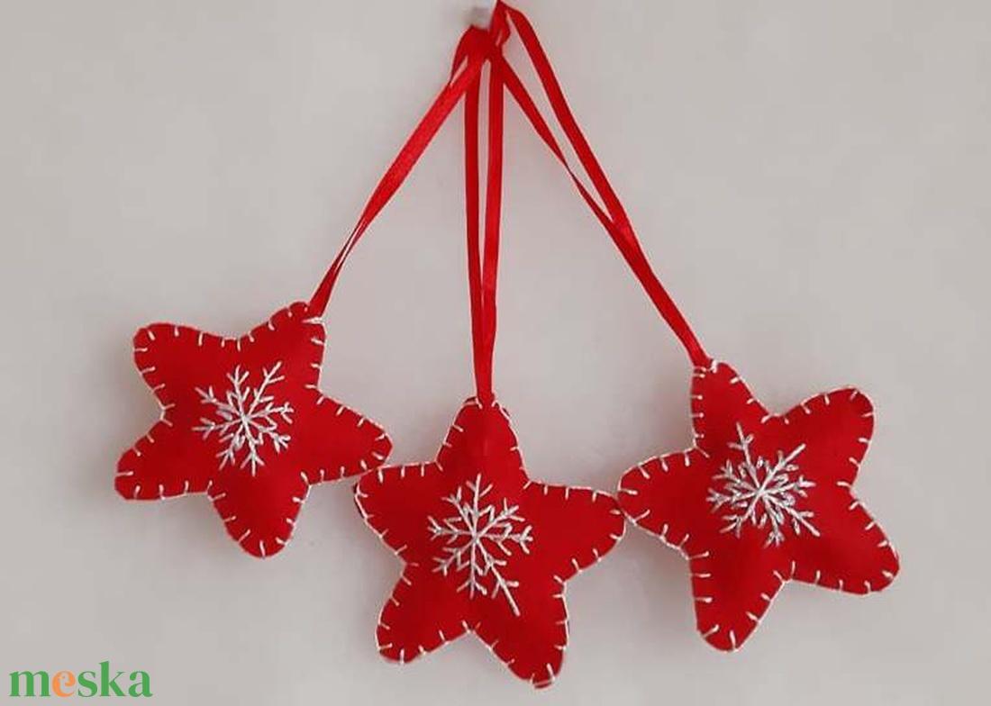 Hímzett karácsonyi kis csillag (Malnacskaworkroom) - Meska.hu