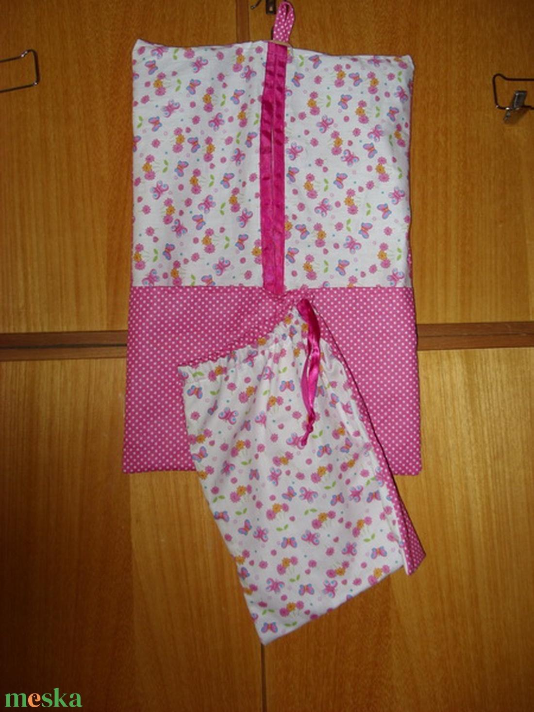 2 db-os csajos, pillangós vállfás ovis ruha- és tornazsák szett   100% design pamut - sok minta - játék & gyerek - Meska.hu
