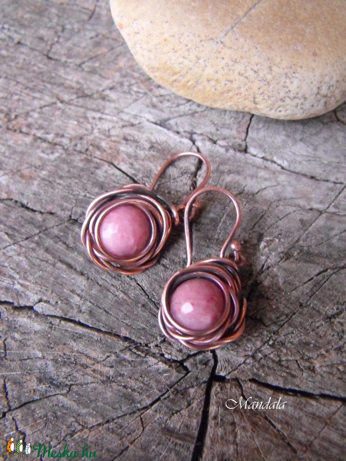 Rózsaszín rózsa fülbevaló (Mandaladrotekszer) - Meska.hu