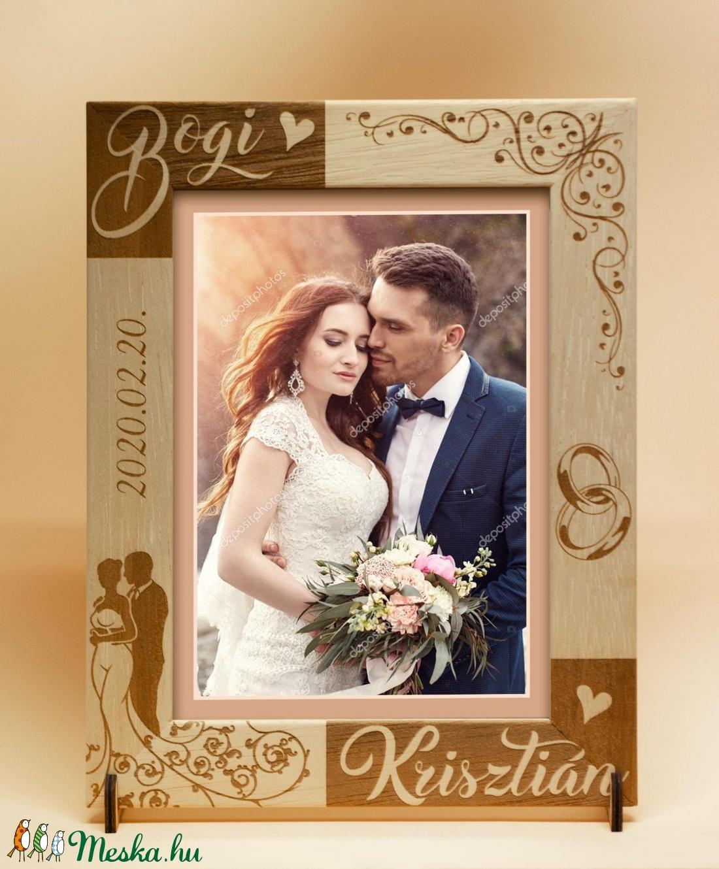 Esküvőre, eljegyzésre, házassági évfordulóra egyedi képkeret rendelhető tetszőleges névvel felirattal grafikával (Marcsihobbibag) - Meska.hu