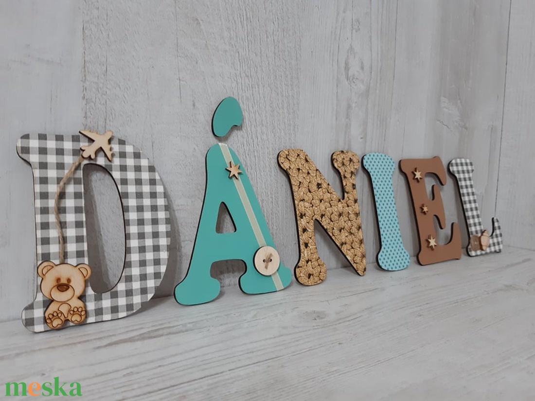 Dániel! Név / felirat / betű! Babaszoba dekoráció! Fal / ajtó dekoráció! - otthon & lakás - dekoráció - betű & név - Meska.hu