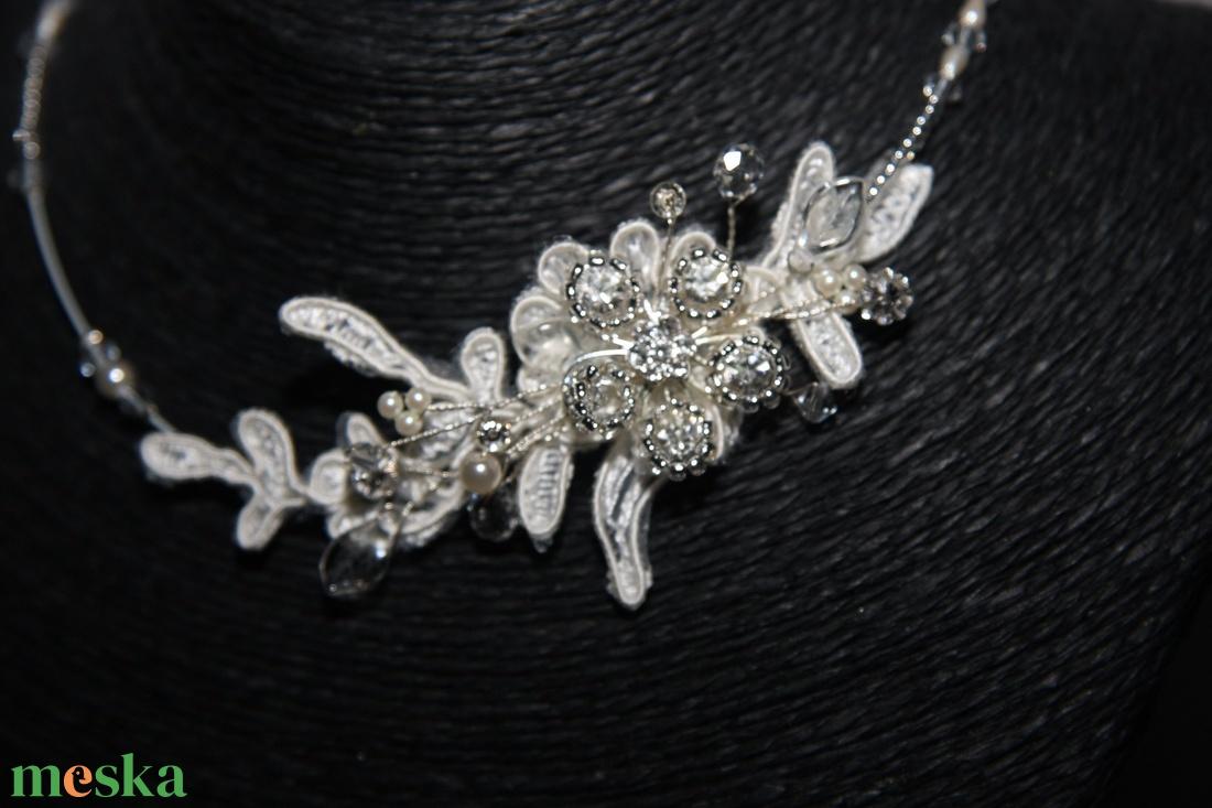 Menyasszonyi csipkés ékszer,nyakék,krém - esküvő - ékszer - nyaklánc - Meska.hu