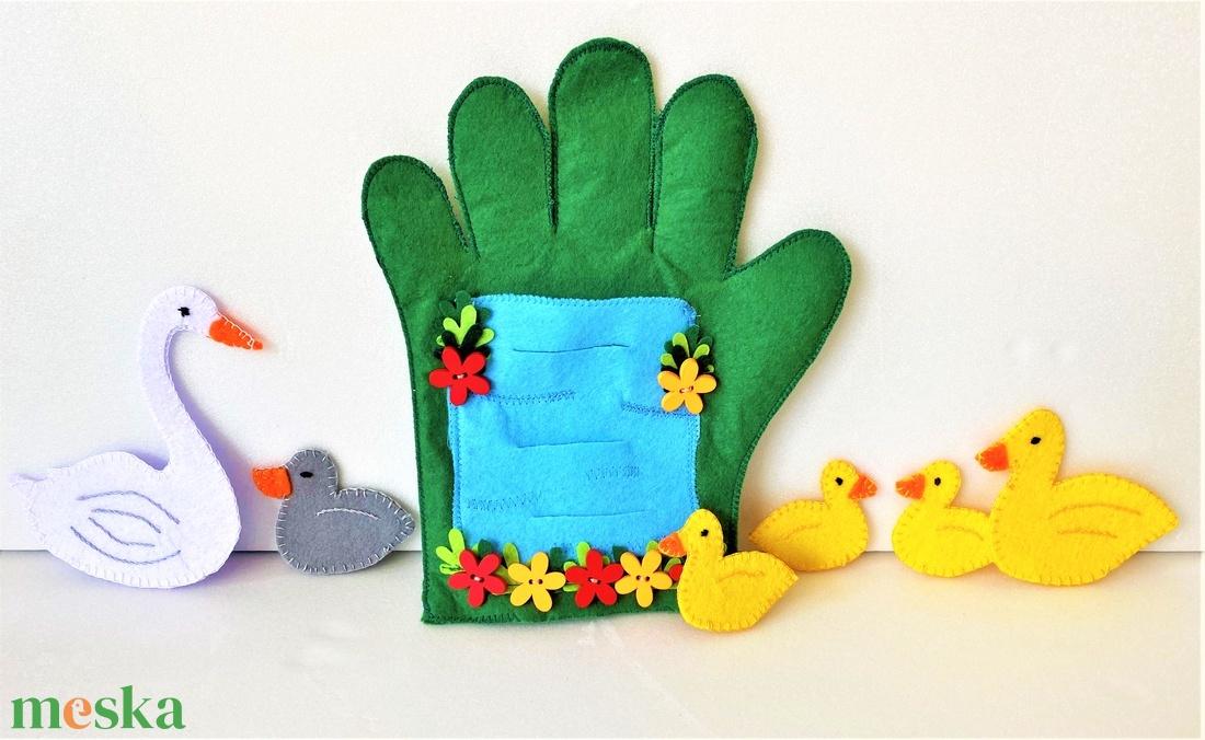 A rút kiskacsa interaktív ujjbáb könyv  - játék & gyerek - bábok - báb készlet - Meska.hu