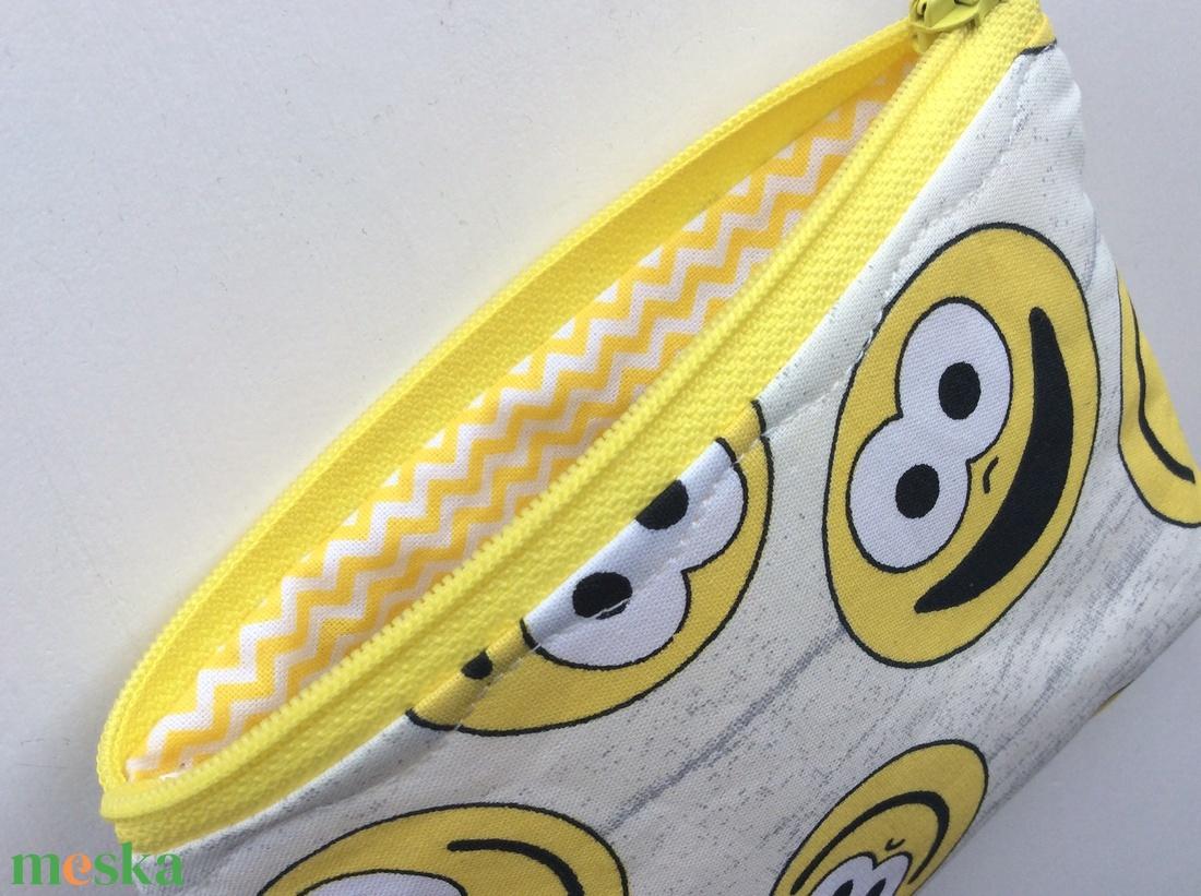 Vidám irattartó, pénztárca mosoly fejekkel - Artiroka design - Gyereknap - táska & tok - pénztárca & más tok - kártyatartó & irattartó - Meska.hu