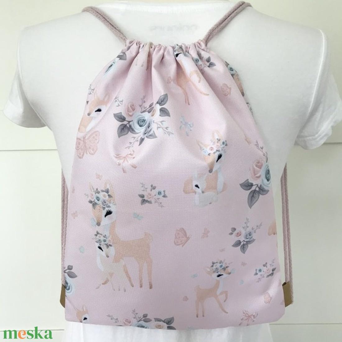 Őzike mintás, pasztell rózsaszín, VÍZLEPERGETŐS gymbag hátizsák, tornazsák,  úszáshoz, kiránduláshoz - Meska.hu