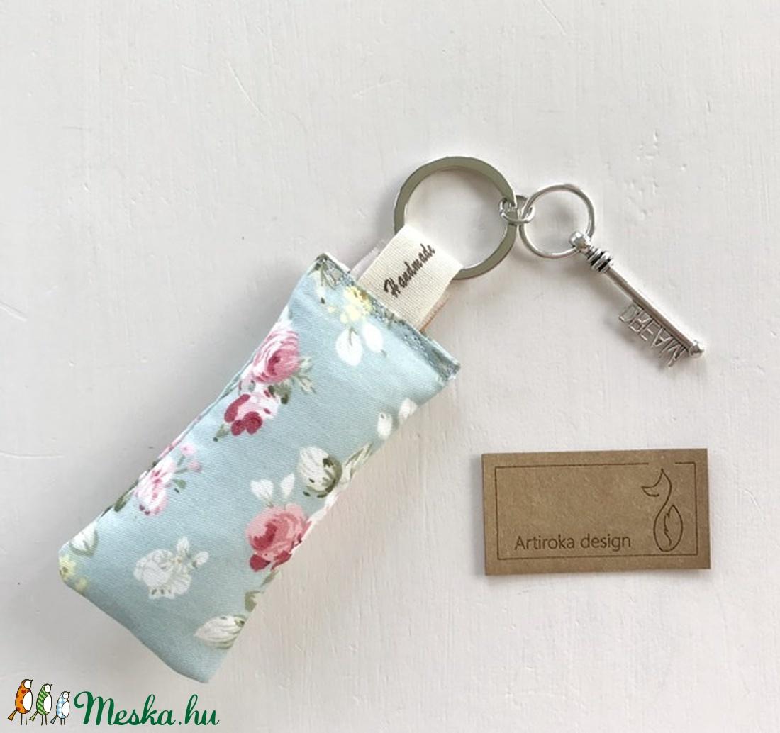 Angol rózsás, türkisz mintás kulcstartó, álom ( dream ) kulcs díszítéssel -  Artiroka design  - táska & tok - kulcstartó & táskadísz - kulcstartó - Meska.hu