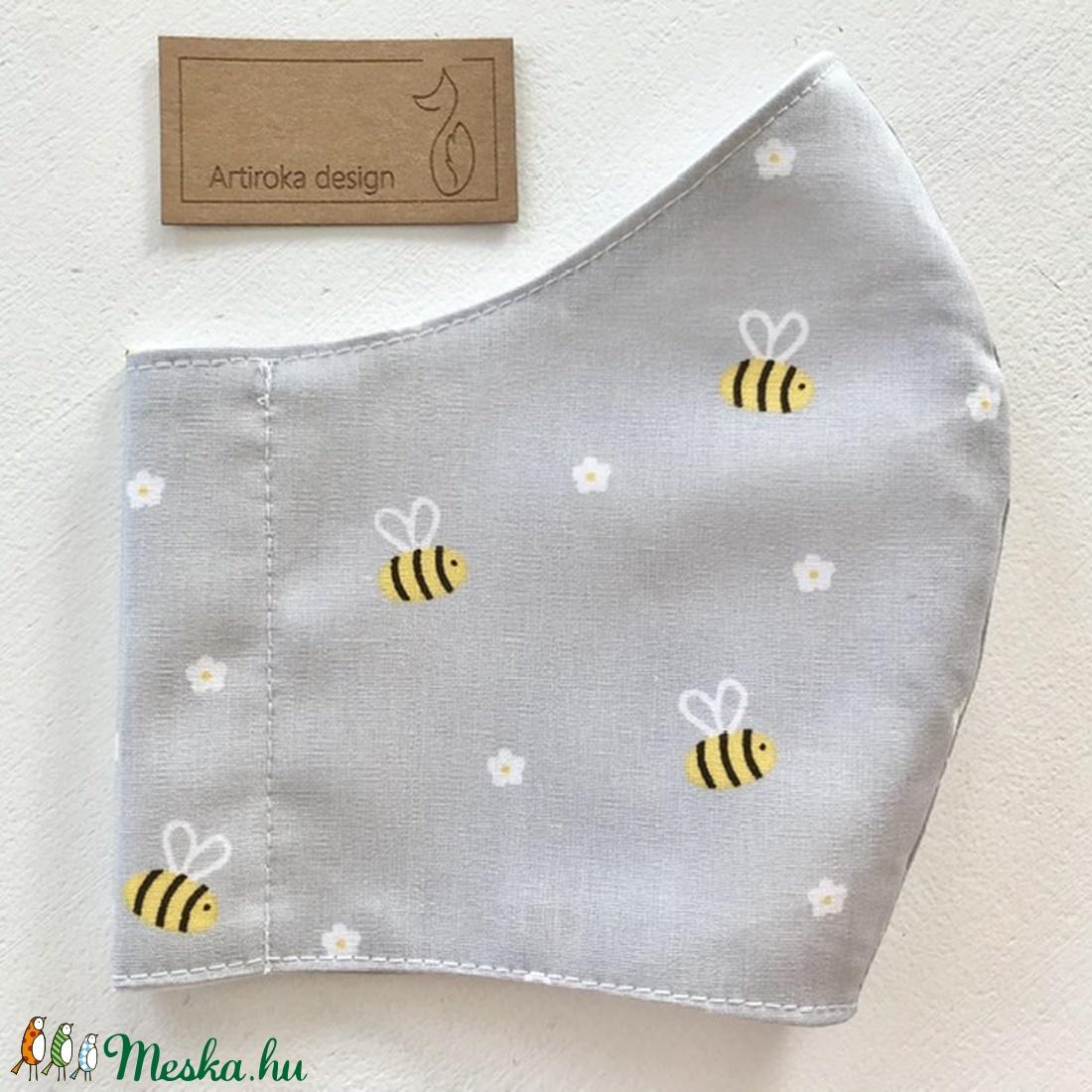 Méhecske és virág mintás pasztell szürke ( kék és rózsaszín ) színű prémium maszk, arcmaszk - Artiroka design - maszk, arcmaszk - férfi & uniszex - Meska.hu