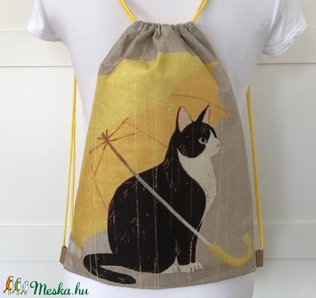 Cica sárga esernyővel mintás, egyedi vízlepergetős gymbag hátizsák, edzéshez, úszáshoz, kiránduláshoz - Artiroka design - Meska.hu