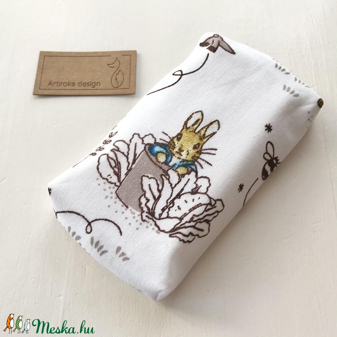 Nyúl Péter mintás bélelt papírzsebkendő tartó - Beatrix Potter - Gyereknap - táska & tok - pénztárca & más tok - zsebkendőtartó - Meska.hu