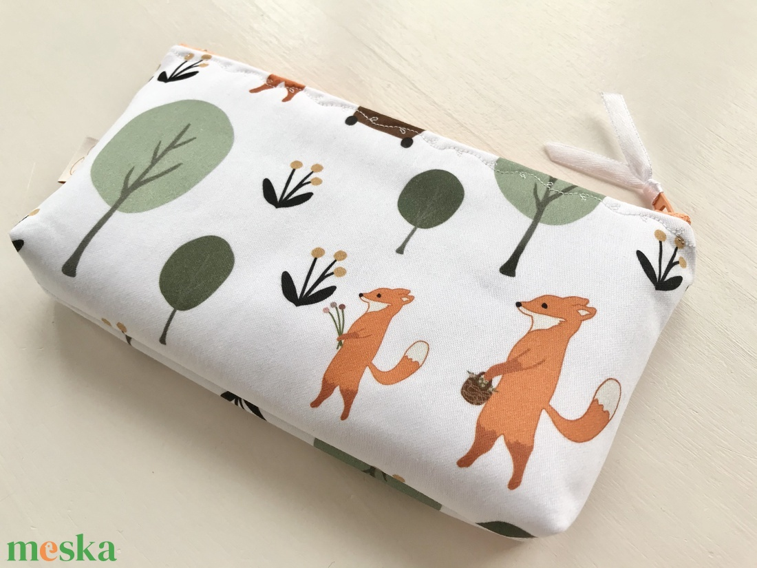 Róka Mama a kis rókákkal - neszesszer, tolltartó, szemüvegtok vagy irattartó prémium pamut textilből - Artiroka design - táska & tok - neszesszer - Meska.hu
